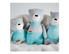 Rodinka šumících medvídků, Lena je vpravo.