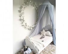 Využití nebes i v pozdějším věku u dětské postele