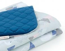 Detail deky šedo-modré labutě velvet