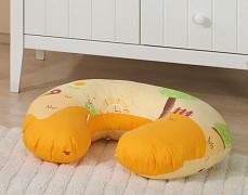 Kojící polštář oranžový hlemýždí domek